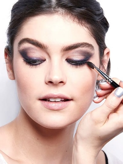 tip-eye-how-to-holiday-trend-smoky-eyes-makeup-tutorial_1